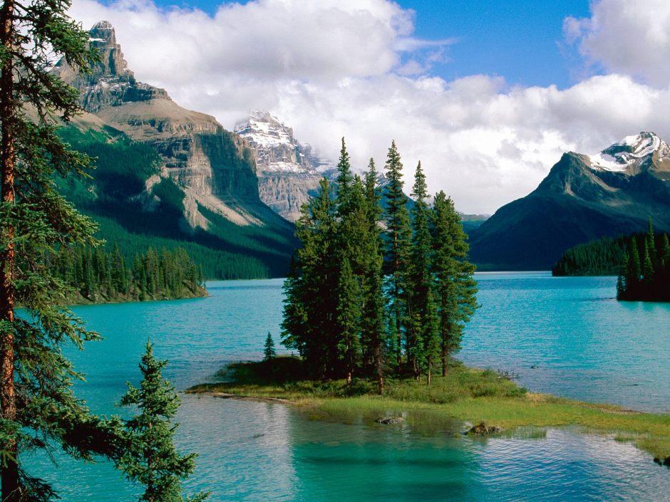 http://www.americapictures.net/wp-content/uploads/2012/10/Maligne-Lake-Jasper-Alberta-Canada-04.jpg