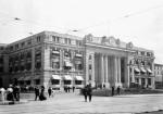 http://upload.wikimedia.org/wikipedia/commons/1/1e/Canadian_Pacific_Railway_Station_Winnipeg.jpg